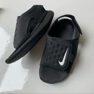 NIKE Black Sandals. UK 7.5 /  14 cm